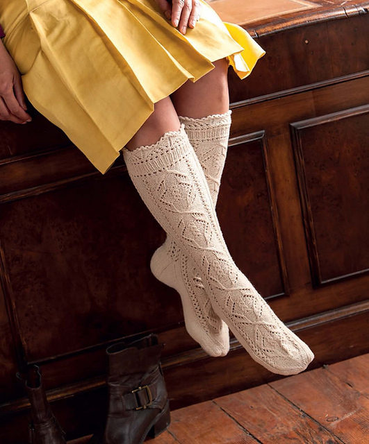 The_Art_of_Seamless_Knitting_-_Lace_Stockings_medium2